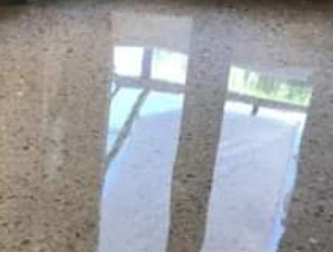 Brillo en suelos de terrazo